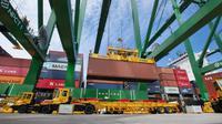 Petikemas Pelabuhan Tanjung Priok.