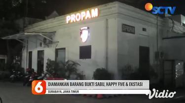 Setidaknya lima anggota polisi yang bertugas di Satnarkoba ditangkap Divpropam Mabes Polri dan Bidpropam Polda Jawa Timur pada Kamis (29/4), saat pesta narkoba di sebuah hotel di Surabaya, Jawa Timur.