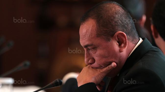 Ketua Umum PSSI, Edy Rahmayadi saat mengikuti Kongres PSSI 2018 yang berlangsung di ICE BSD, Tangerang (13/1/2018). Salah satu agenda Kongres PSSI 2018 adalah revisi Statuta. (Bola.com/Nicklas Hanoatubun)