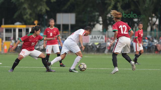 Bekuk Tim Legenda Sepak Bola Timnas Wanita Indonesia Masih Gugup Indonesia Bola Com