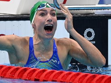 Tatjana Schoenmaker berhasil kejutkan cabang olah raga renang nomor gaya dada putri 200 meter karena berhasil menyabet medali emas sekaligus pecahkan rekor dunia pada debutnya di Olimpiade. Perenang asal Afrika Selatan tersebut mampu catat waktu 2 menit 18,95 detik. (Foto: AFP/Oli Scarff)
