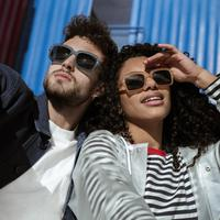 Sunglasses koleksi Izipizi Studio dalam seri L'Amiral