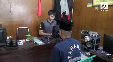 Nasib nahas dialami seorang gadis di Kuningan, Jawa Barat. Ia dicabuli oleh dukun karena sang Ibu ingin menggandakan uang.