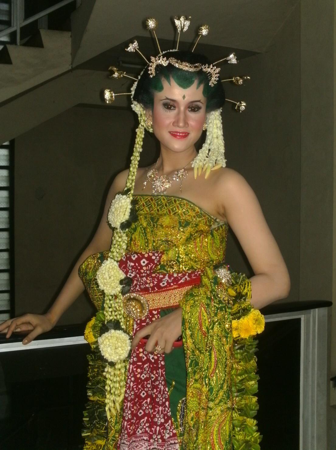 Gaya Rias Pengantin Jawa Yang Anggun Dan Mempesona Beauty