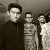 Saat ditemui di SCTV Tower, Senayan (28/7/2015), Group band yang beranggotakan 4 personel ini mengaku bekerja sama dengan musik produser lain. (Galih W. Satria/bintang.com)