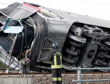 Kereta Tergelincir di Dekat Milan