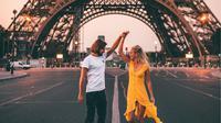 Jean Hocke dan Camille Demyttenaere saat sedang berlibur ke Paris. (dok. instagram.com/backpackdiariez/https://www.instagram.com/p/B0oTCyIBaqU/Novi Thedora)