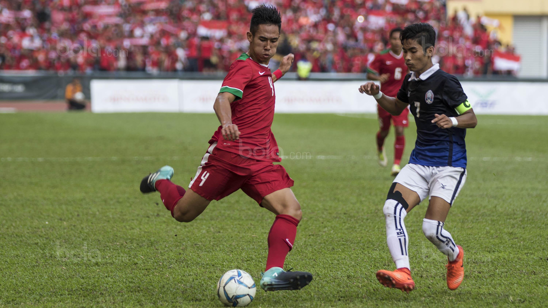 3. Bek Persija, Ryuji Utomo, memainkan debutnya di SEA Games bersama Timnas Indonesia saat mengalahkan Kamboja 2-0. (Bola.com/Vitalis Yogi Trisna)