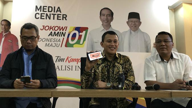 Wakil Ketua Tim Kampanye Nasional Jokowi-Ma'ruf, Abdul Kadir Karding (tengah).