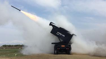Salah satu lini bisnis Dahana adalah bahan peledak untuk pertahanan seperti Bomb P Series, Roket Rhan-122b dan peluncur roketnya serta bahan peledak lainnya. (Dok Dahana)