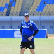 Robert Alberts, pelatih Persib. (Bola.com/Erwin Snaz)