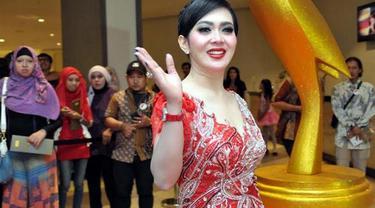 Mabes Polri telah melayangkan panggilan kepada penyanyi Syahrini.