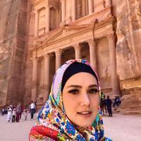 Mulan Jameela saat berwisata religi di Jordania (Instagram/@mulanjameela1)