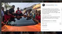 Pengacara kondang Hotman Paris Hutapea beri hadiah Rp 50 juta ke Joni Gala. (Instagram Hotman Paris)