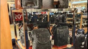 Viral, Sepatu dan Tas di Toko Dipenuhi Jamur Setelah 2 Bulan Tutup