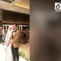 Pasangan wushu Lindswell Kwok dan Achmad Hulaefi menggelar resepsi pernikahan Minggu (9/12) malam. Resepsi dilakukan di Ayana Mid Plaza.