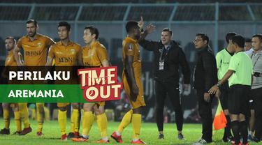 Berita video Time Out kali ini tentang reaksi Pelatih Bhayangkara, Simon McMenemy, terhadap perilaku Aremania di Piala Presiden 2018.