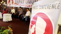Relawan pendukung  Joko Widodo memaparkan persiapan Rapat Umum Relawan Jokowi di kawasan Kemang, Jakarta, Kamis (2/8). Rapat Umum Relawan Jokowi merupakan konsolidasi relawan untuk pemenangan Jokowi pada pilpres 2019. (Liputan6.com/Johan Tallo)