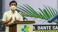 Wakil Menteri Kesehatan RI Dante Saksono Harbuwono saat kerja sama dengan Aplikasi pesan instan Whatsapp (WA) di Ruang Johannes Leimena, Kantor Kemenkes RI, Jakarta, Selasa, 9 Maret 2021. (Dok Kementerian Kesehatan RI)