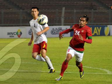 Zulham Manik Zamrun, pemain Timnas Indonesia bernomor 24 tampil memukau dengan mencetak dua gol ke gawang Kyrgyzstan. Skor telak 4-0 berhasil diraih Timnas Indonesia (Liputan6.com/ Helmi Fithriansyah)
