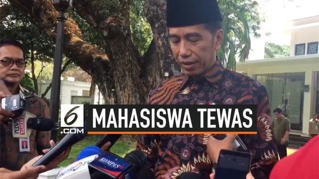 Presiden Joko Widodo atau Jokowi belasungkawa yang mendalam atas meninggalnya dua mahasiswa Universitas Halu Oleo bernama Randy dan Yusuf Kardawi. Keduanya meninggal saat melakukan aksi menolak RKUHP di Gedung DPRD Sulawesi Tenggara, Kamis kemarin.