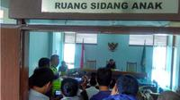 Alasan jadi sorotan publik, sidang tuntutan pengeroyok Haringga ditunda. (Liputan6.com/Arie Nugraha)
