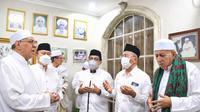 Calon Wali Kota Surabaya Machfud Arifin mengikuti selawat bersama Majelis Zikir Rottibul Haddad di Ampel, Surabaya, dalam rangka memperingati Maulid Nabi Muhammad SAW 1442 Hijiriah. (Ist)