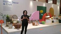 Esti Wulan Tirta berhasil membangun CV Jedok, UMKM kerajinan tangan dan dekorasi rumah ramah lingkungan. Istimewa