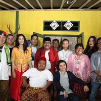 """""""Dan ini tugas berat juga untuk membawakan ulang lagu yang sudah begitu melekat,"""" kata Rizal yang berharap penonton bisa menyukai lagunya. (Bambang E Ros/Bintang.com)"""