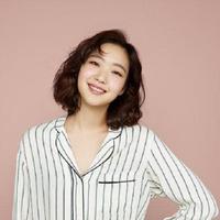 Kim Go Eun merasa cantik dengan gayanya. (Foto: Soompi)
