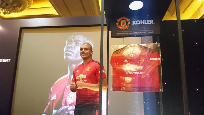 West Brown ketika mengenalkan salah satu sponsor anyar Manchester United, di Hotel Mulia, Jakarta, Jumat (10/8/2018).