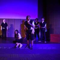 Teater Suara Inspirasi Muda (Teater SIM) dan Yajugaya Divisi Kesenian mempersembahkan sebuah pertunjukan teater minikata bertajuk KBHGN di Galeri Indonesia Kaya. | Istimewa