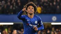 5. Willian - William menjadi andalan di lini serang Chelsea musim ini. Pemain 31 tahun asal Brasil ini menyumbangkan 9 gol dan 7 assist dari penampilannya di kompetisi Premier League. (AFP/Glyn Kirk)
