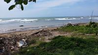 Pantai Anyer Carita Kabupaten Serang Provinsi Banten yang menjadi lokasi Tsunami Selat Sunda pada akhir tahun 2018 lalu (Liputan6.com / Nefri Inge)