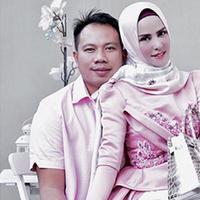 Anggel Lelga dan Vicky Prasetyo akan resmi menikah secara negara pada 9 Februari 2018 mendatang. Seperti diketahui, pasangan ini mengaku telah menikah siri. (Instagram/angellelga)