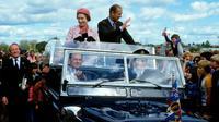 Pangeran Philip bersama Ratu Elizabeth II. (GQ Magazine)