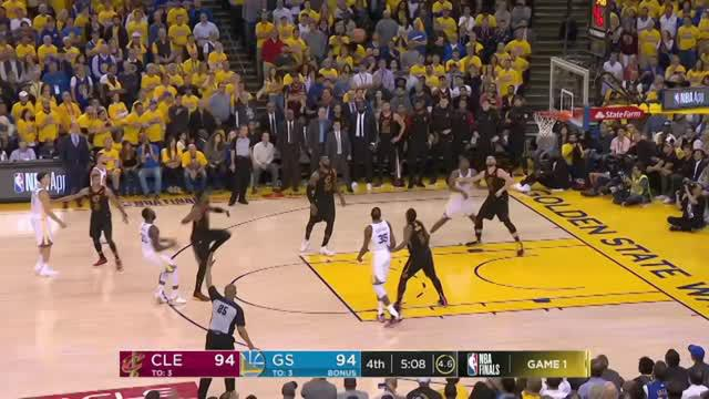 Berita video game recap NBA 2017-2018 antara Golden State Warriors  melawan Cleveland Cavaliers dengan skor 124-114.