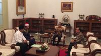 Presiden Jokowi mengundang Syamsuri Firdaus ke Istana. Dia merupakan pemenang MTQ Internasional di Turki. (Lizsa Egeham)