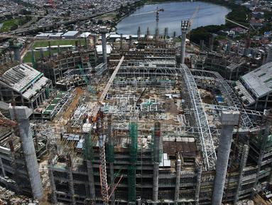 Foto areal menunjukan proyek pembangunan jakarta International Stadium (JIS) di kawasan Sunter, Jakarta, Selasa (2/2/2021). PT Jakarta Propertindo (Jakpro) menjelaskan JIS dibangun dengan dilengkapi beberapa fasilitas untuk menunjang kawasan olah raga terpadu ini. (merdeka.com/Imam Buhori)