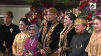 Kahiyang Ayu dan Bobby Nasution usai menjalani prosesi akad nikah. (Liputan6.com)