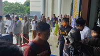 Pemeriksaan suhu tubuh di Masjid Al Akbar Surabaya. (Foto: Dok Masjid Al Akbar Surabaya)