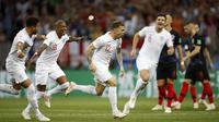 Selebrasi pemain timnas Inggris saat merayakan gol ke gawang Kroasia pada semifinal Piala Dunia 2018 di Stadion Luzhniki, Moskow, Kamis (12/7/2018) dini hari WIB. (AP Photo/Francisco Seco)