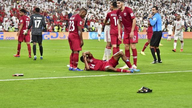 Piala Asia 2019: Rayakan Gol, Para Pemain Qatar Dilempar Sandal