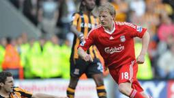 Liverpool's Dirk Kuyt celebrates scoring during English Premier League match between Hull City and Liverpool at The Kingston Communications Stadium in Hull, on April 25, 2009. AFP PHOTO/PAUL ELLIS