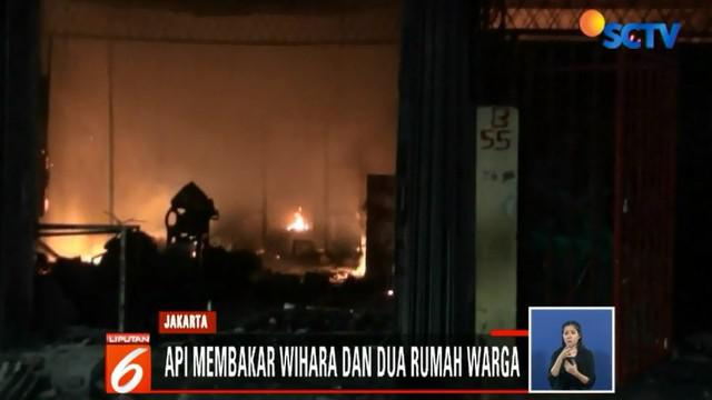 Usai berhasil memadamkan api satu jam kemudian, petugas menemukan jenazah keduanya dalam kondisi tidak bernyawa. Jenazah kakak beradik ini pun langsung dibawa ke Rumah Sakit Ciptomangunkusumo, Jakarta, untuk di autopsi.
