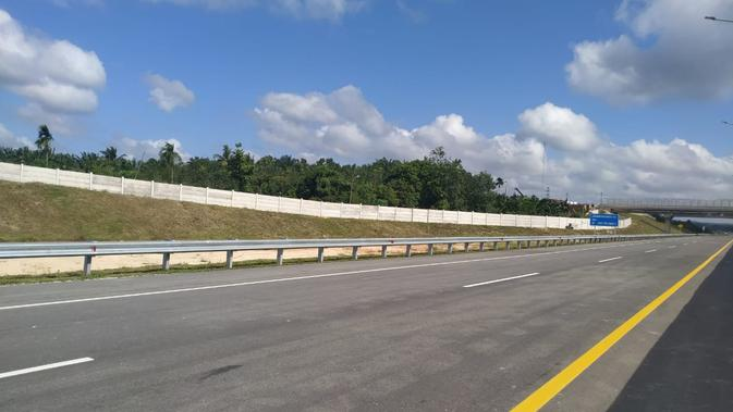 Ruas Tol Pekanbaru-Dumai memiliki panjang 131 km. (LIputan6.com/Athika Rahma)