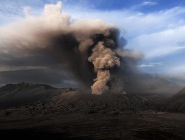 20160713-Masih Waspada, Turis Gunung Bromo Dilarang Dekati Kawah-Probolinggo