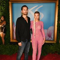 Sofia Richie dan Scott Disick. (Foto: hollywoodlife.com)