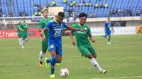 Wander Luiz dalam uji coba Persib vs Melaka United di Stadion Si Jalak Harupat, Soreang (1/2/2020). (Bola.com/Erwin Snaz)