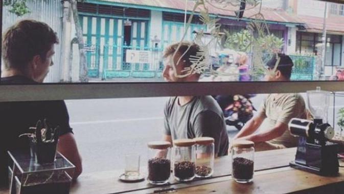 6 Kedai Kopi Pinggir Jalan Yang Rasanya Tak Kalah Dari Kafe Lifestyle Liputan6 Com
